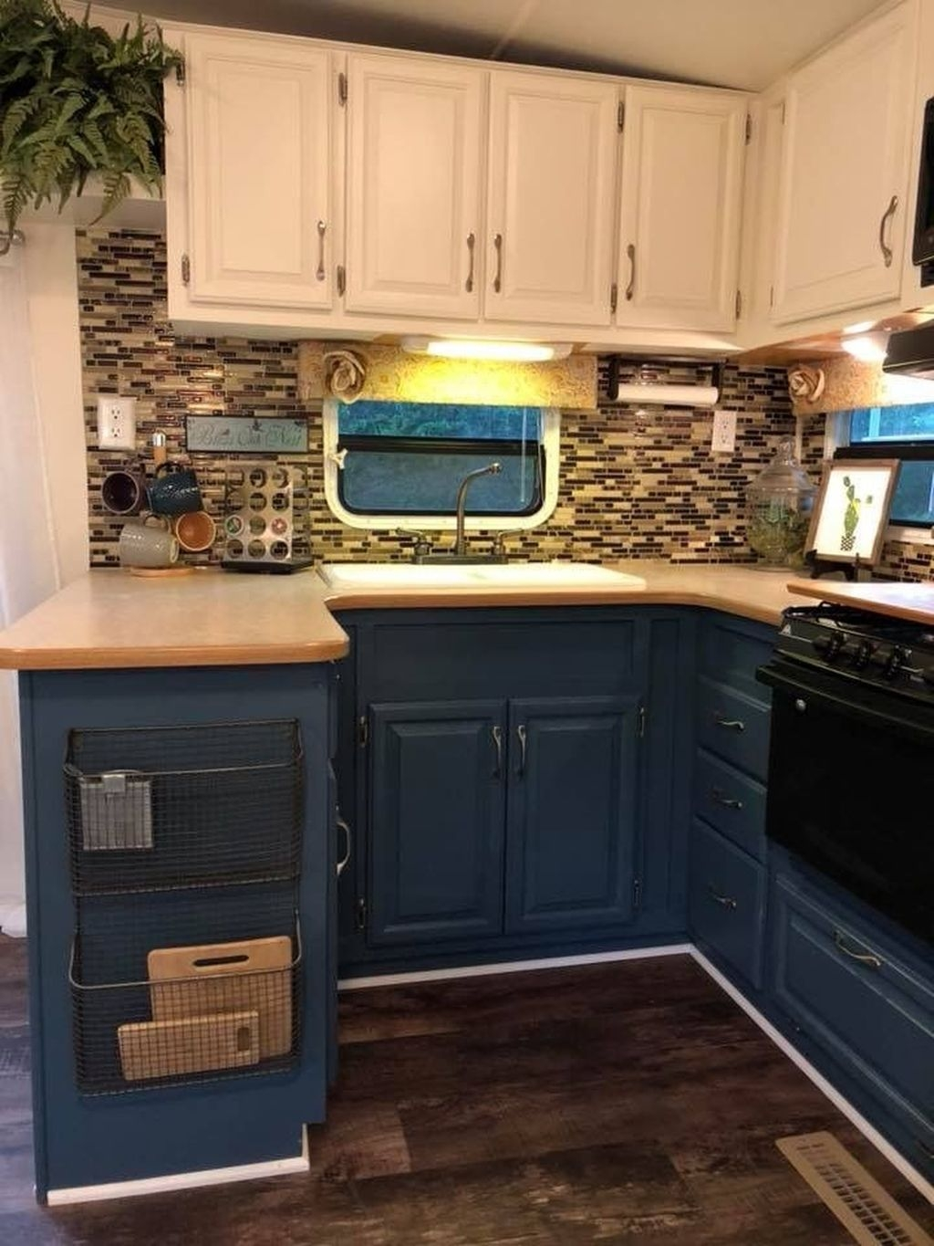 Awesome Small Kitchen Remodel Ideas26