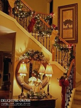 Best Ways To Decorate Your Circle Mirror With Garland34