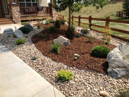 Cool Front Yard Rock Garden Ideas16