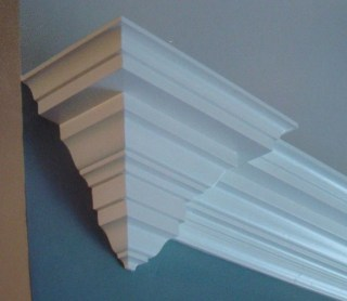 Fascinating Flying Crown Molding Ideas17