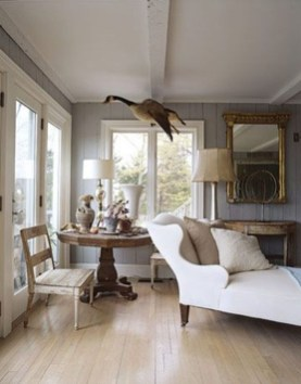 Fascinating Flying Crown Molding Ideas31