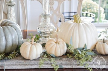 Lovely White And Orange Pumpkin Centerpieces For Fall And Halloween Table29
