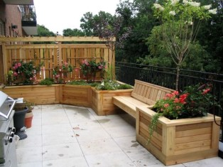 Perfect Diy Seating Incorporating Into Wall For Your Outdoor Space23