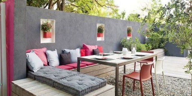 Perfect Diy Seating Incorporating Into Wall For Your Outdoor Space26