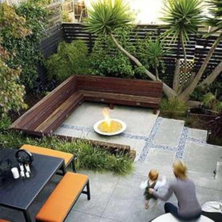 Perfect Diy Seating Incorporating Into Wall For Your Outdoor Space34