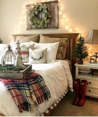 Amazing Farmhouse Style For Cozy Bedroom Decorating Ideas05