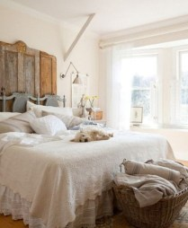 Amazing Farmhouse Style For Cozy Bedroom Decorating Ideas09