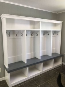 Beautiful Farmhouse Mudroom Remodel Ideas32