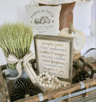 Charming Home Fall Decorating Ideas With Farmhouse Style16