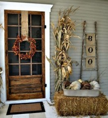 Charming Home Fall Decorating Ideas With Farmhouse Style20