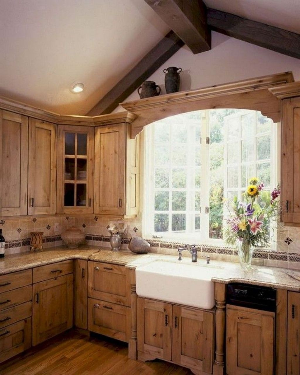 Incredible Farmhouse Kitchen Cabinet Makeover Design Ideas15