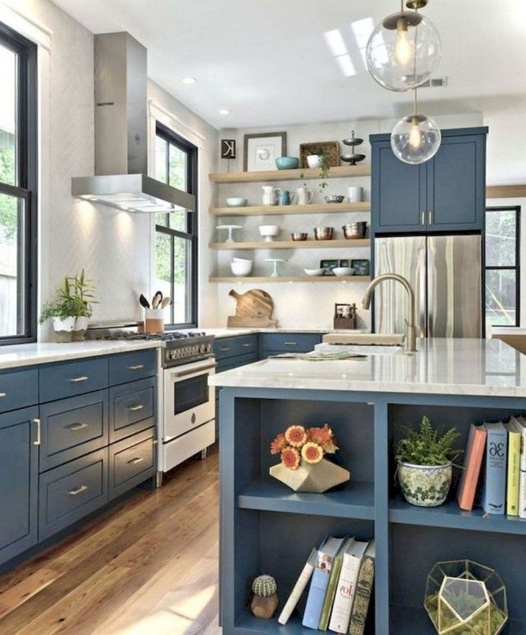 Incredible Farmhouse Kitchen Cabinet Makeover Design Ideas33