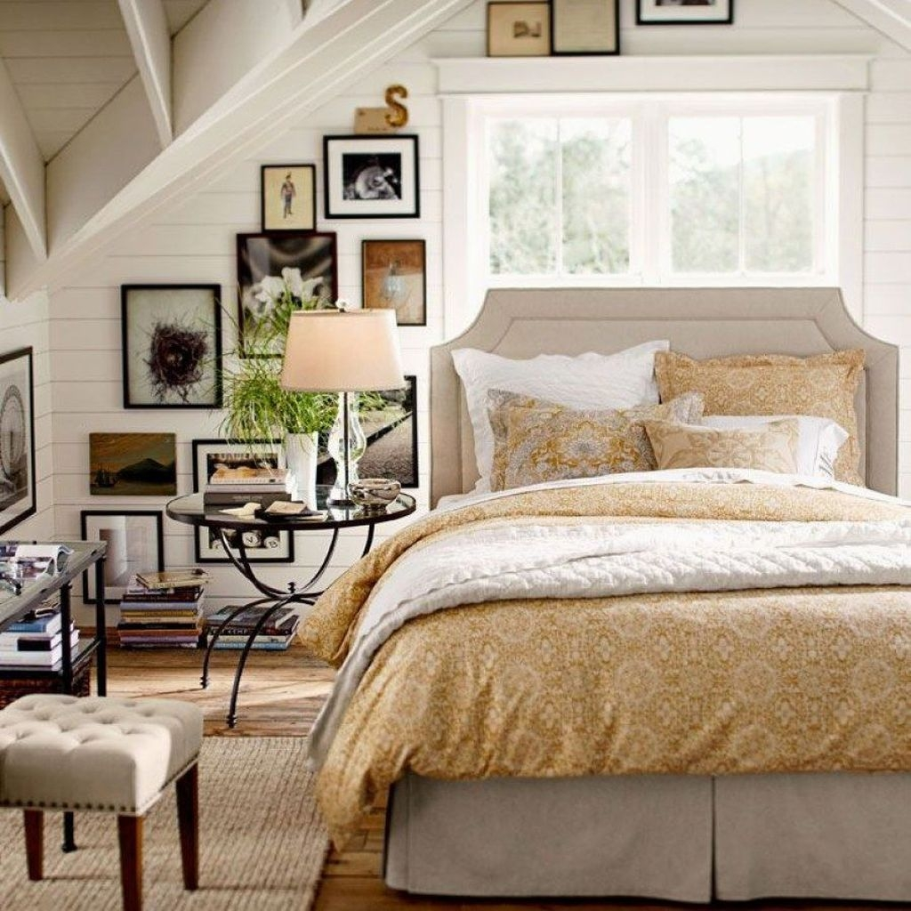 Marvelous Farmhouse Bedroom For Your House Design Ideas25