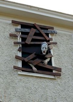 Stunning Diy Outdoor Halloween Decor And Design Ideas06