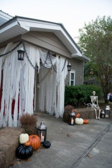 Stunning Diy Outdoor Halloween Decor And Design Ideas07