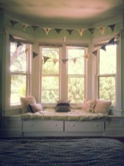 Stunning Window Seat Ideas With Padded Seat And Storage Below34