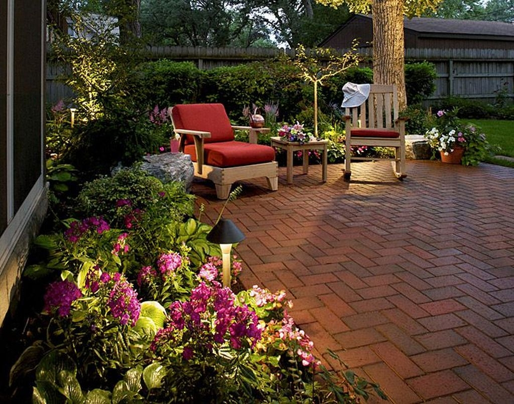 Stylish Backyard Landscaping Ideas For Your Dream House33