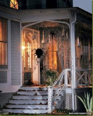 Stylish Wicked Halloween Porch Decorating Ideas On A Budget14