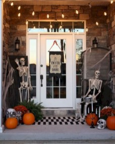 Stylish Wicked Halloween Porch Decorating Ideas On A Budget17