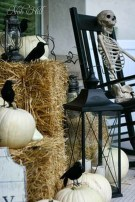 Stylish Wicked Halloween Porch Decorating Ideas On A Budget46