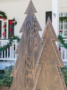 Attractive Front Yard Christmas Decoration Ideas27