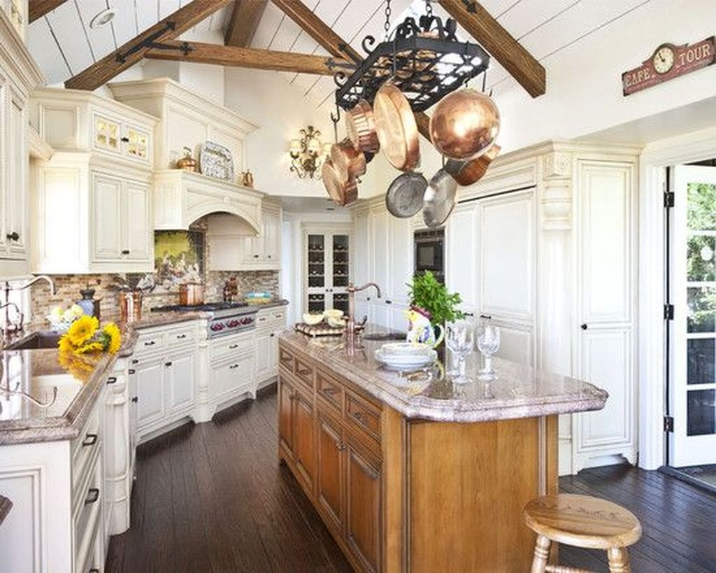 Flawless French Country Style Kitchen Decor Ideas34