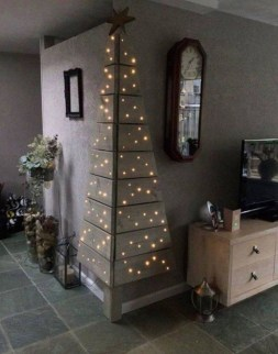 Gorgeous Office Christmas Decoration Ideas28