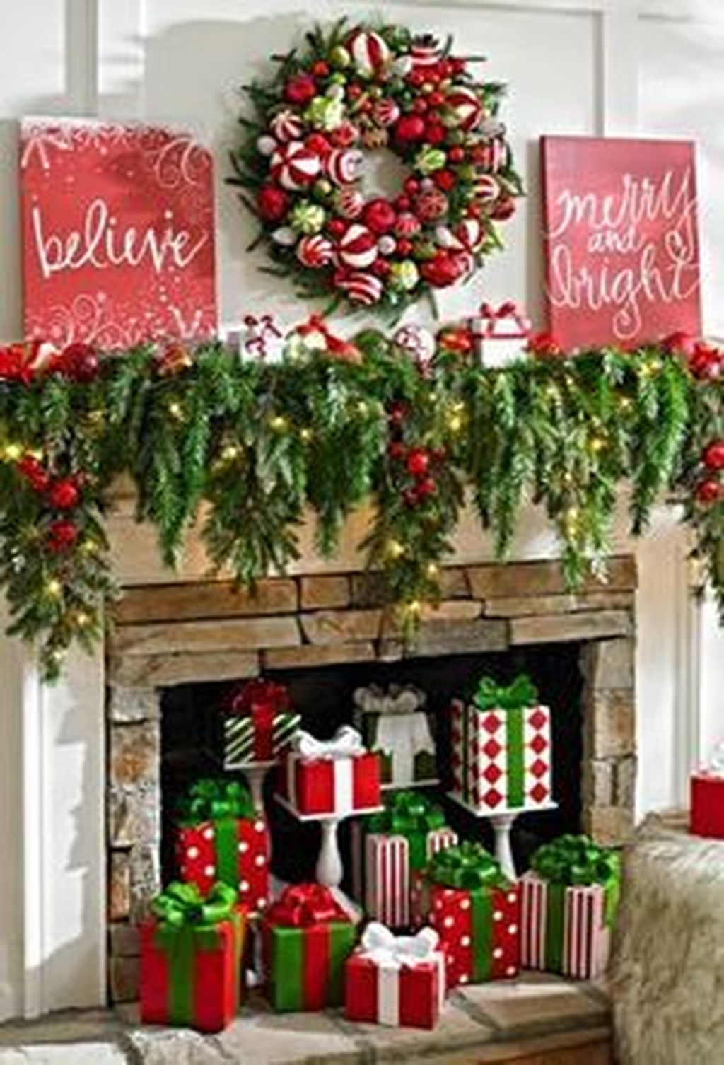 Incredible Christmas Mantel Decorating Ideas Budget38