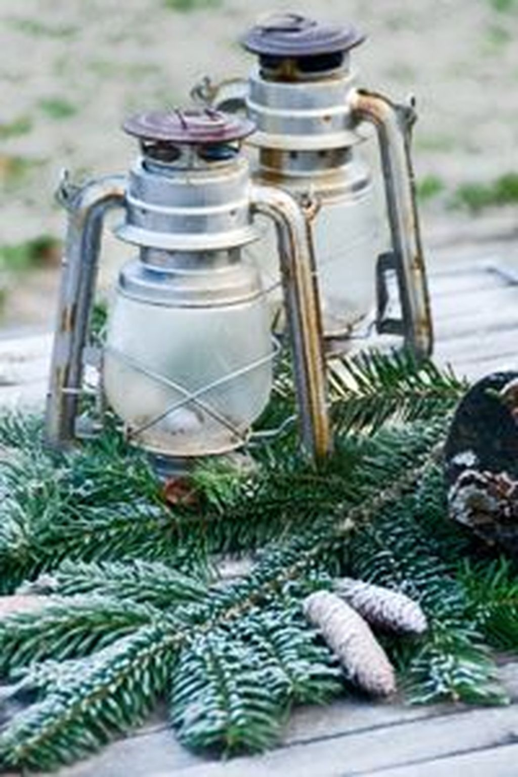 Inexpensive Diy Outdoor Winter Table Decoration Ideas28