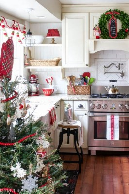 Lovely Christmas Kitchen Decorating Ideas17