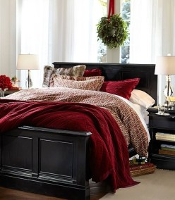 Perfect Christmas Bedroom Decorating Ideas01