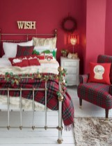 Perfect Christmas Bedroom Decorating Ideas03