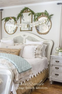 Perfect Christmas Bedroom Decorating Ideas12