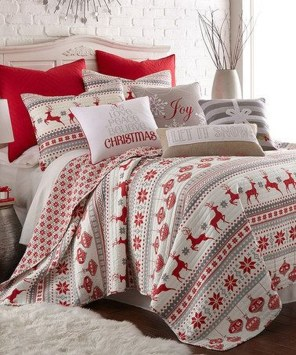 Perfect Christmas Bedroom Decorating Ideas17