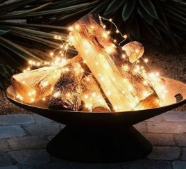 Pretty Christmas Front Yard Landscaping Ideas17