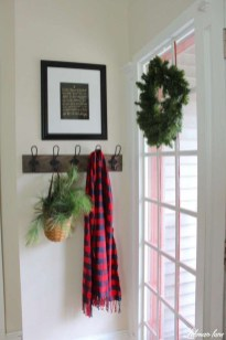 Stunning Farmhouse Christmas Entryway Design Ideas38