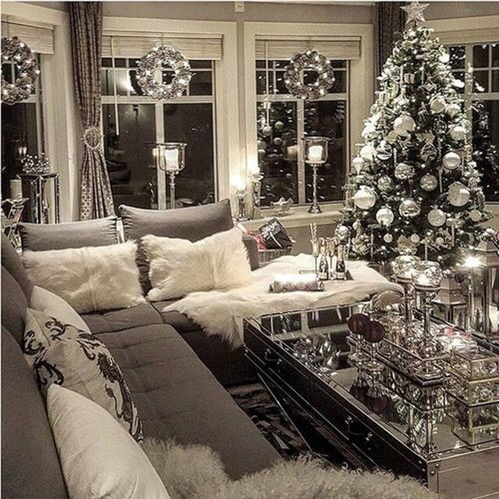 Stylish Christmas Decoration Ideas Living Room37