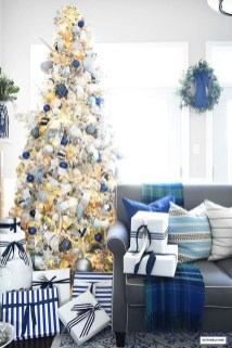 Unique Christmas Tree Decorating Ideas10