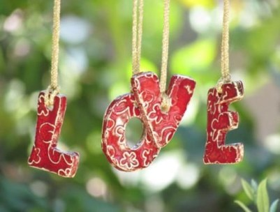Affordable Outdoors And Indoors Signs Ideas For Valentines Day15
