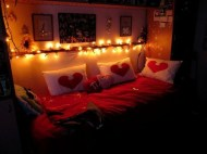 Cozy Bedroom Decorating Ideas For Valentines Day04