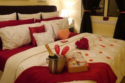 Cozy Bedroom Decorating Ideas For Valentines Day29