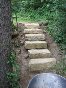 Inspiring Stepping Stone Pathway Decor Ideas For Your Garden08