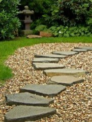 Inspiring Stepping Stone Pathway Decor Ideas For Your Garden27