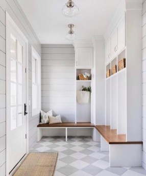 Awesome Mudroom Entryway Decorating Ideas07