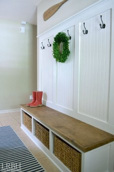Awesome Mudroom Entryway Decorating Ideas08