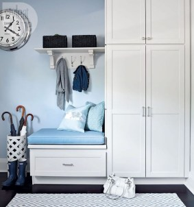 Awesome Mudroom Entryway Decorating Ideas38