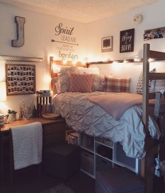 Brilliant Dorm Room Organization Ideas On A Budget26