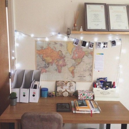 Brilliant Dorm Room Organization Ideas On A Budget28