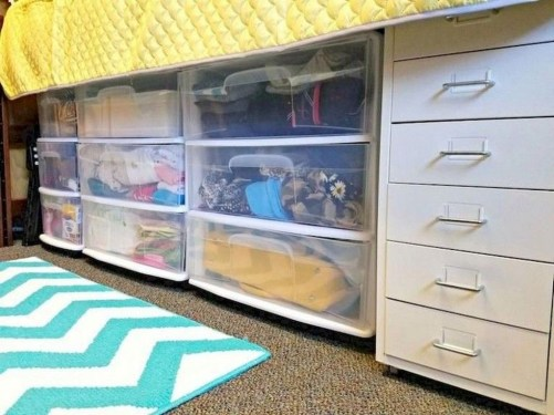 Brilliant Dorm Room Organization Ideas On A Budget44