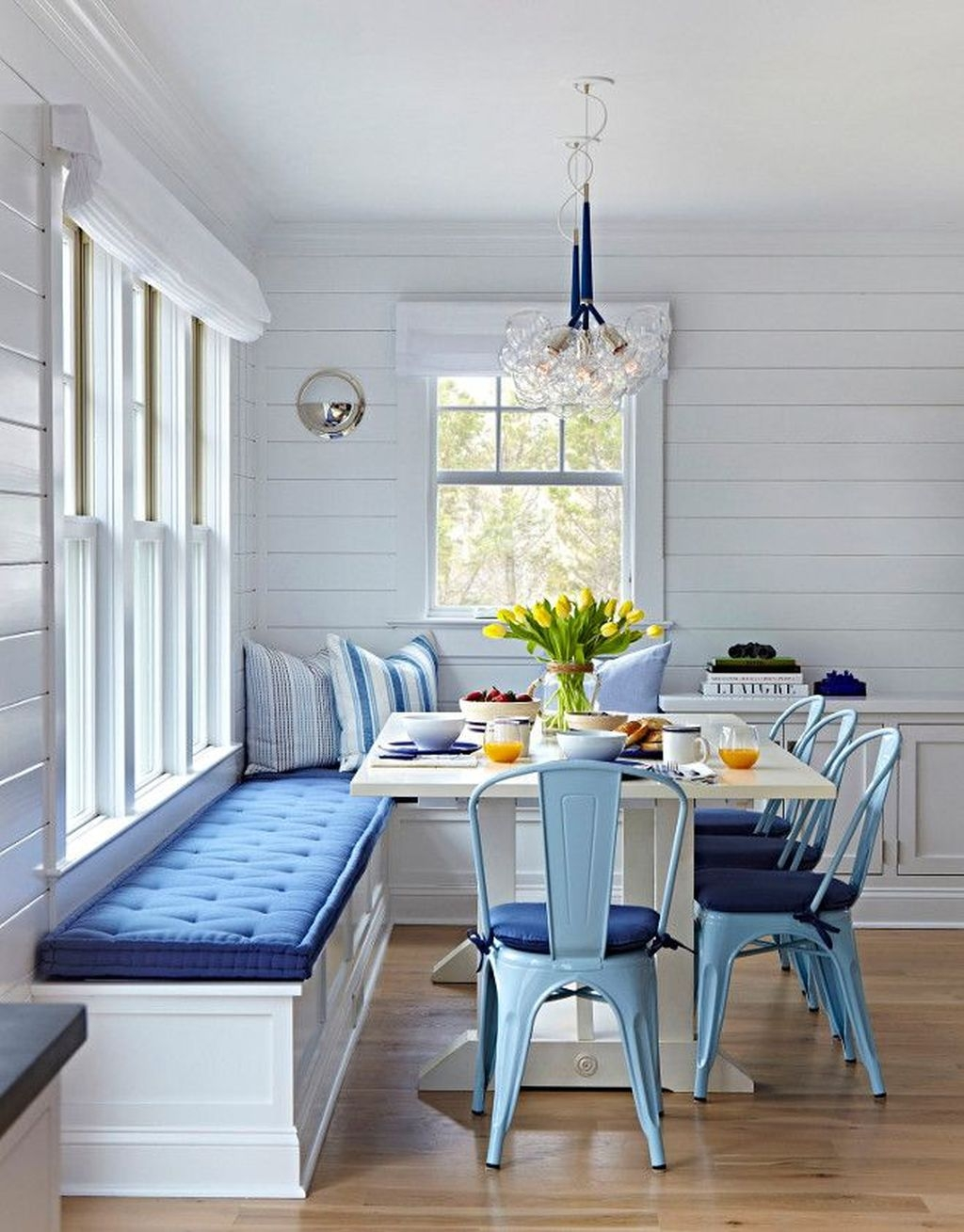 Creative Banquette Seating Ideas For Kitchen04